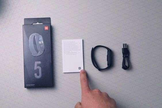 Pulsera Xiaomi Smart Mi Band 5 negro - 0