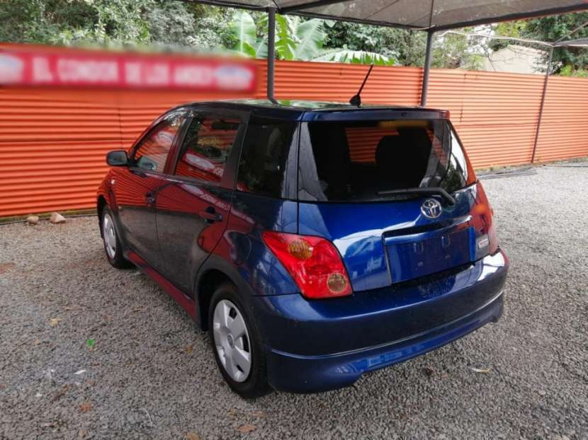 Toyota IST 2002 - 2
