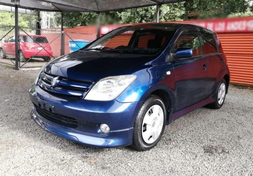 Toyota IST 2002 - 0