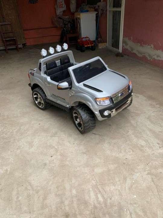 Camioneta de juguete Ford Ranger para niños - 8