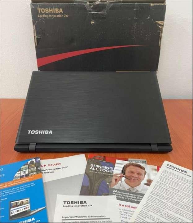 """Toshiba Satellite intel i5 8Gb RAM 15"""" - 2"""