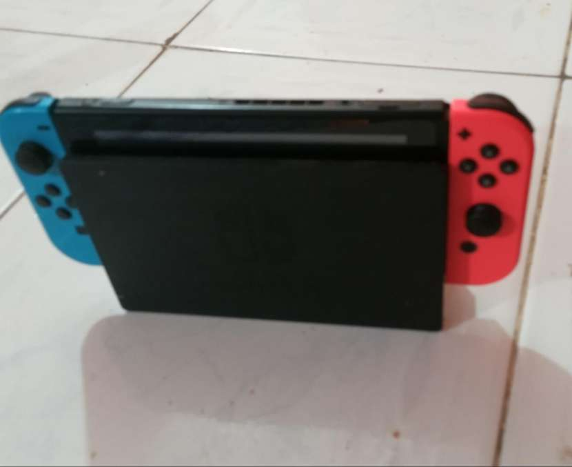 Nintendo Switch impecable - 0