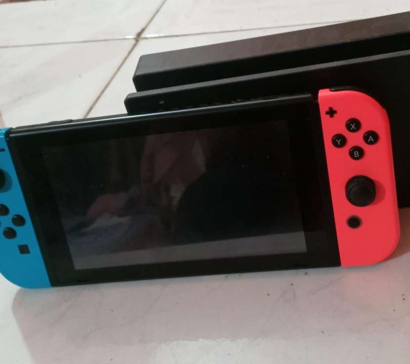 Nintendo Switch impecable - 1