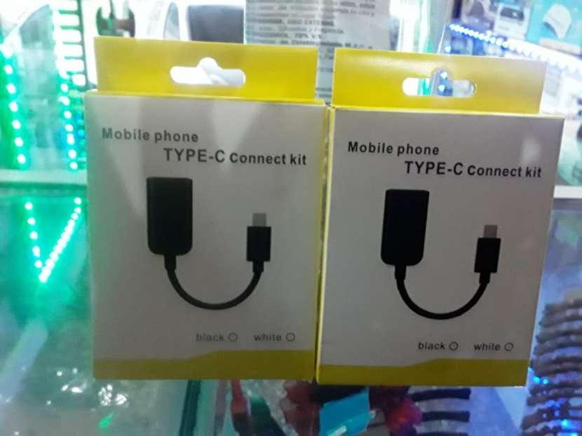 Cable OTG para celular con entrada tipo C - 0