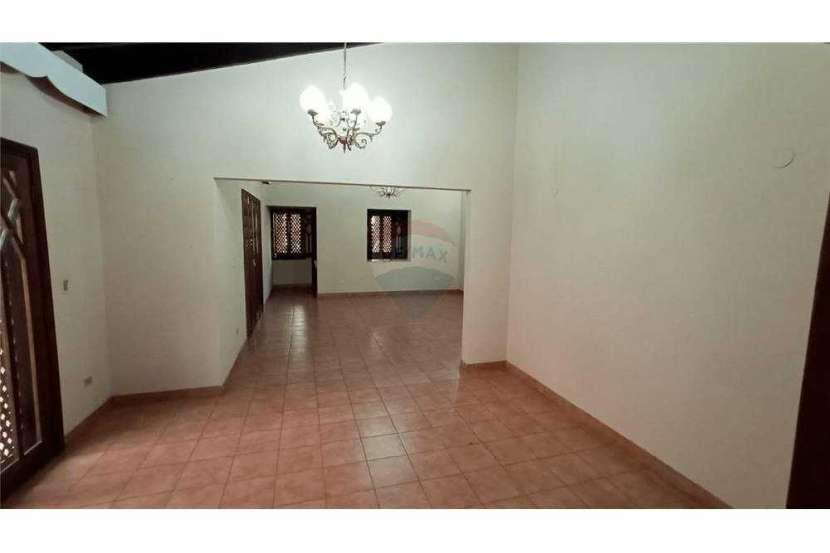 Casa en el centro de San Lorenzo zona Residencial - 6