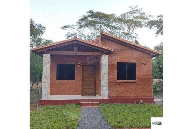 Casa a estrenar en Costa Fleitas Areguá - 0
