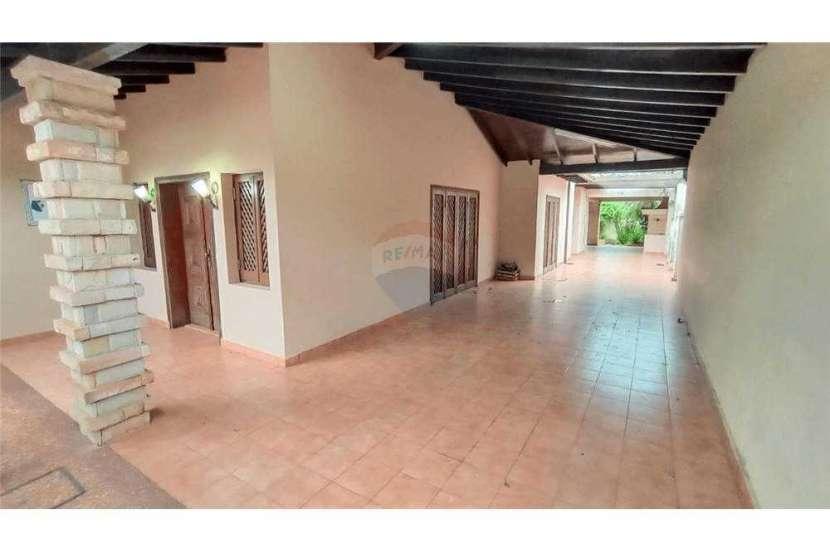 Casa en el centro de San Lorenzo zona Residencial - 1