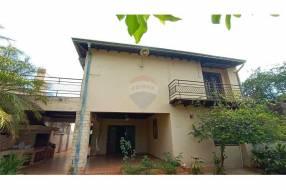 Casa en el centro de San Lorenzo zona Residencial
