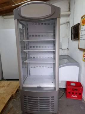 Exhibidora Ugur para frutas verduras y lácteos