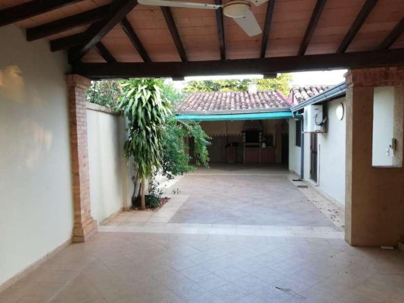 Casa en Fernando de la Mora zona Sur - 2