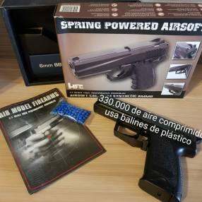Pistola con balines de plástico 6mm