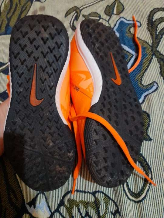 Botín Nike calce 32 niños - 1