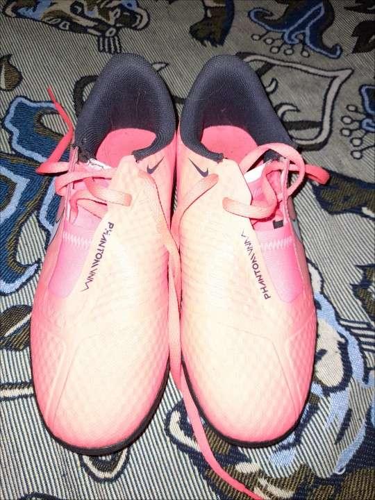 Botín Nike calce 32 niños - 0