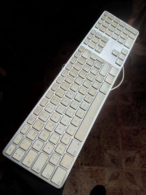 Teclado Apple Mac modelo A1243 - 0