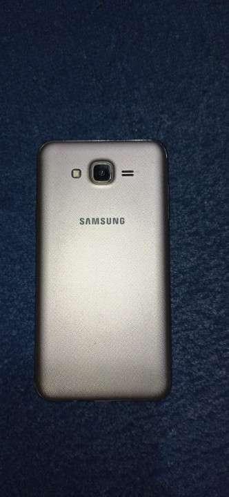 Samsung Galaxy J7 Neo fisurado - 2
