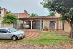 Residencia en Barrio Mburucuyá