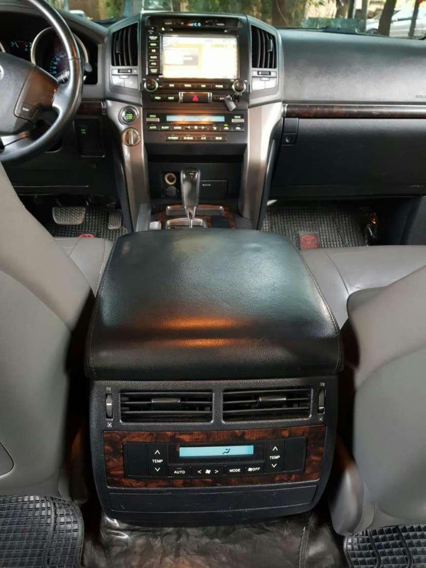 Toyota Land Cruiser 2012 - 6