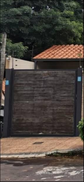 Portón de madera - basculante