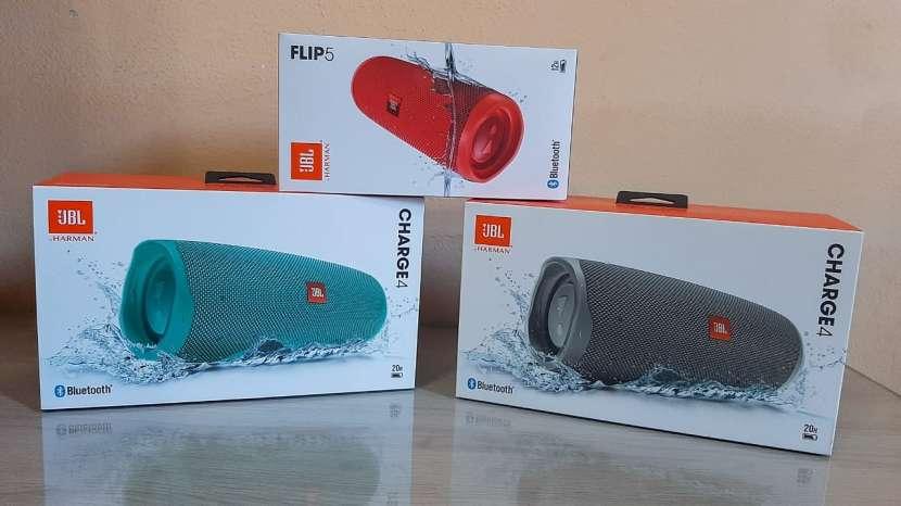 Speaker JBL Charge 4 Flip 5 - 0