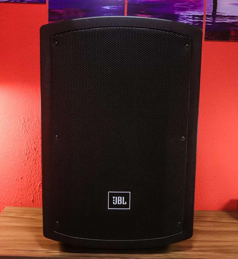 Caja acústica JBL (JS-15BT) - 0