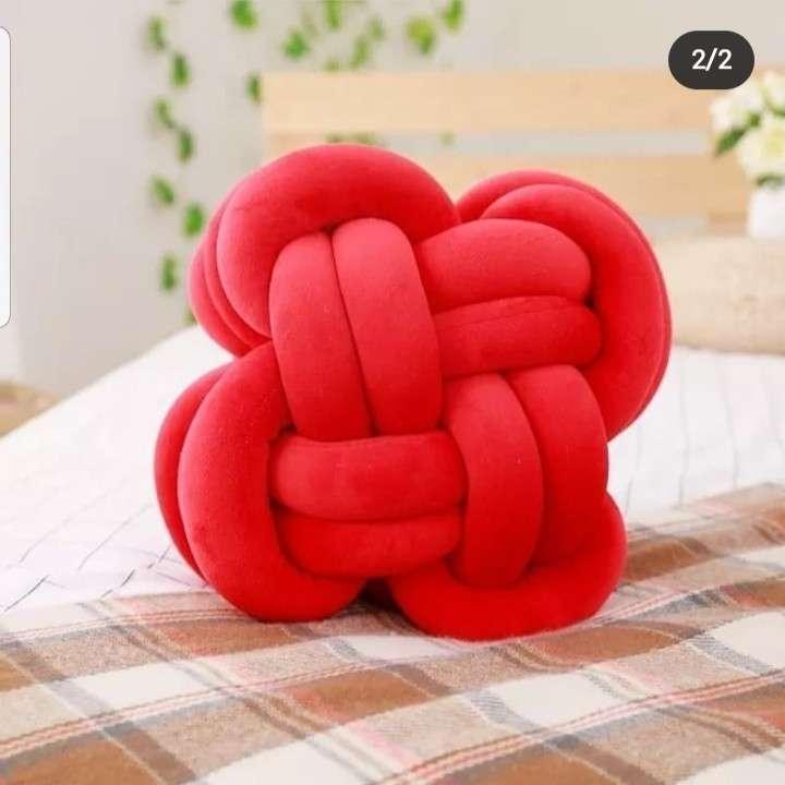 Almohada bola de nudo - 1