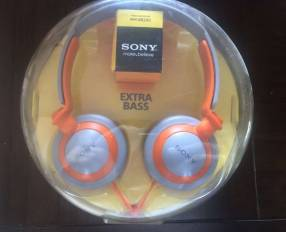 Audífonos estéreo Sony MDR-XB200