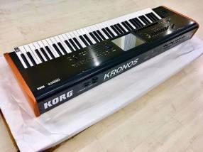 Korg Kronos 2 88-Key Music Workstation Keyboard
