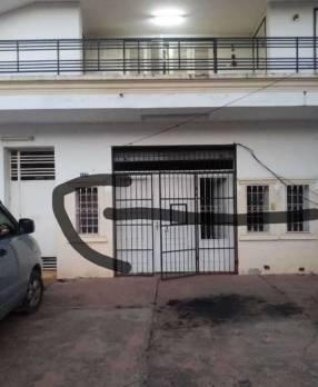 Casa en planta alta p/ empresa o vivienda zona S6 Mburucuyá