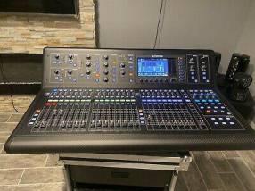 Midas M32 LIVE Digital Console for Live and Studio