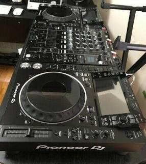 2 Pioneer CDJ2000 y 1 DJM2000