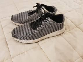 Calzado Sneaker Zara calce 44