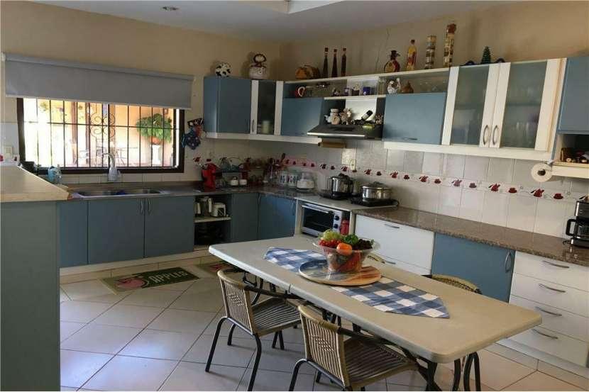 Coqueta casa zona UCA - 2