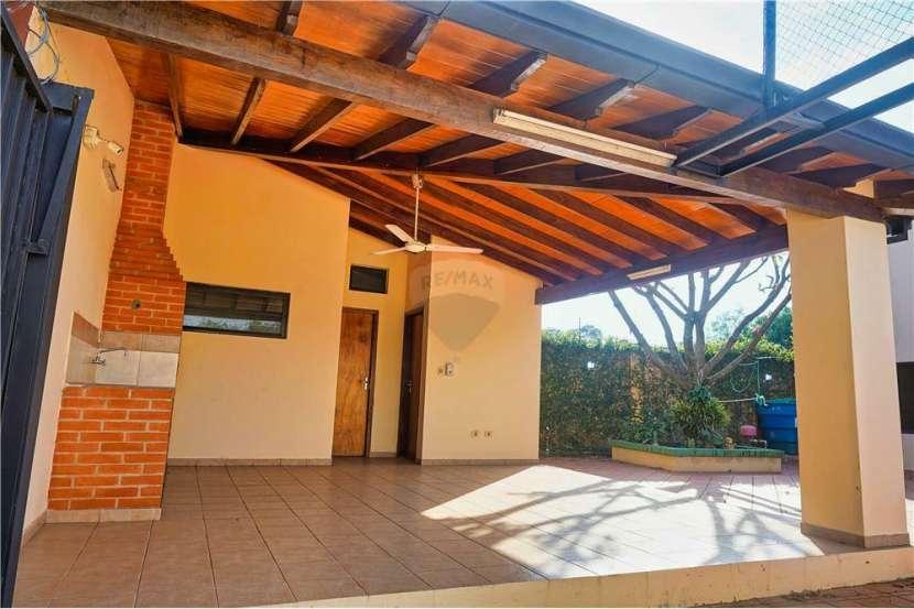 Residencia en Fernando de la Mora - 5