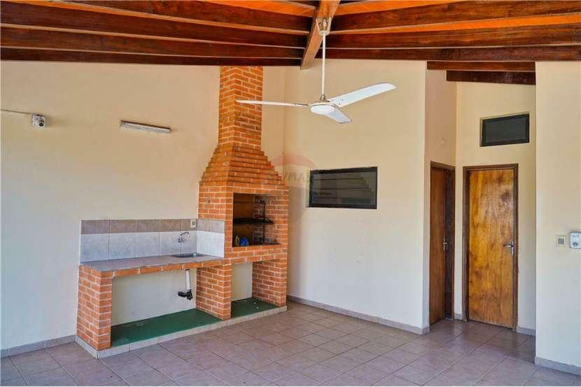 Residencia en Fernando de la Mora - 6