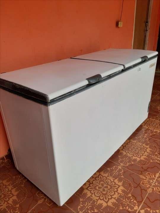 Congelador Continental de 560 litros - 0
