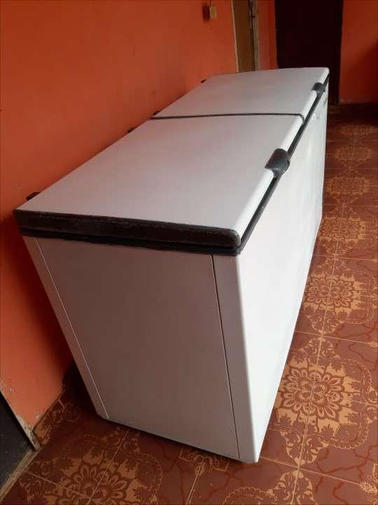 Congelador Continental de 560 litros - 2