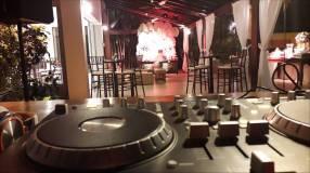 Servicio de discoteca y karaoke