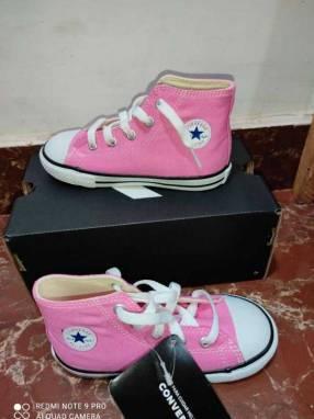 Calzado Converse Rosa Barbie