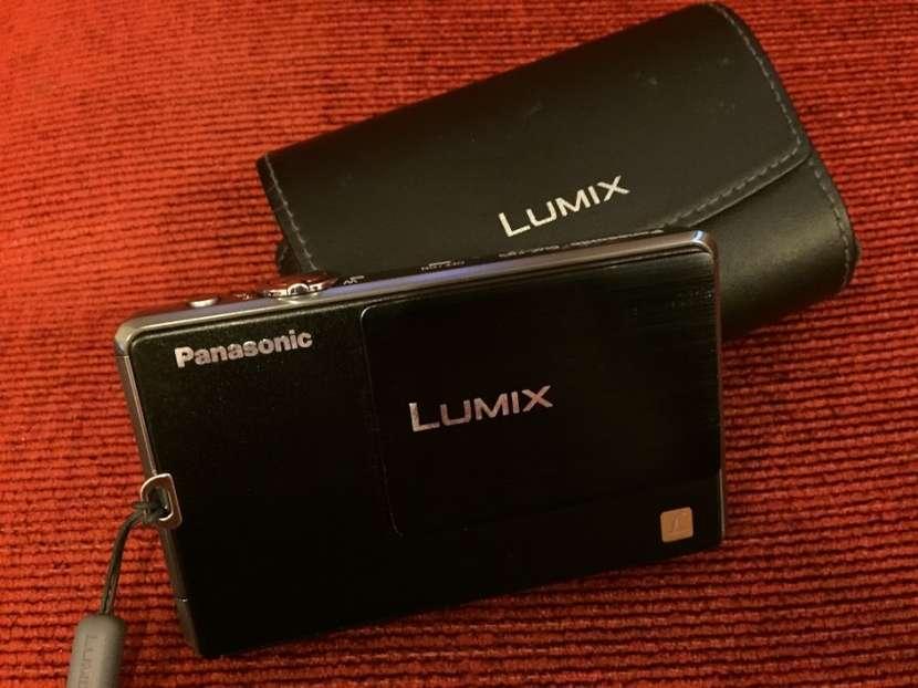 Cámara Panasonic Lumix DMC-FP3 táctil con estuche - 5