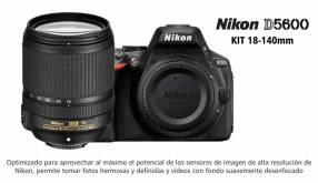 Cámara Nikon D5600 Kit 18-140mm