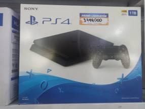 PS4 Slim de 1TB más 1 juego