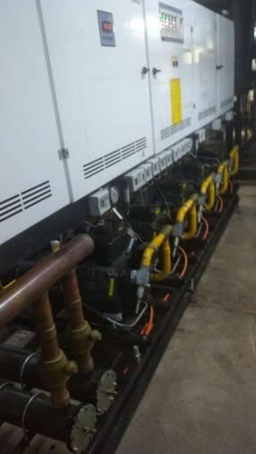Aire compacto de 240.000 btu