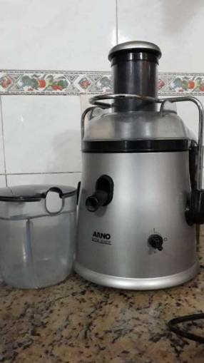 Exprimidora Vita Juice Arno
