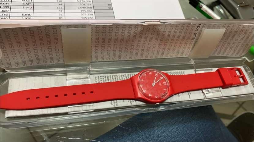 Reloj Swatch Skin Rojo Femenino - 2