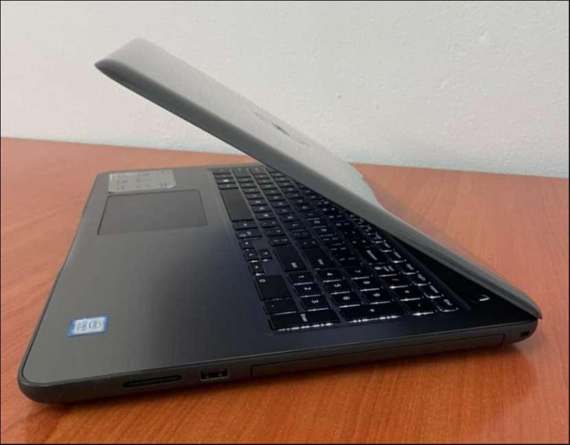 """Dell 5567 Intel i5 15.6"""" SSD - 4"""