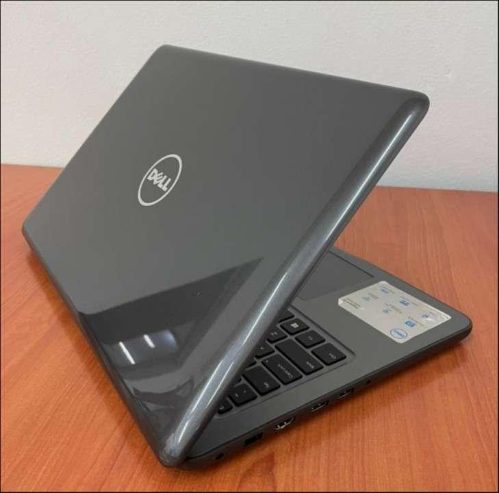 """Dell 5567 Intel i5 15.6"""" SSD - 6"""