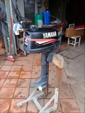 Fuera de Borda Yamaha 4 HP