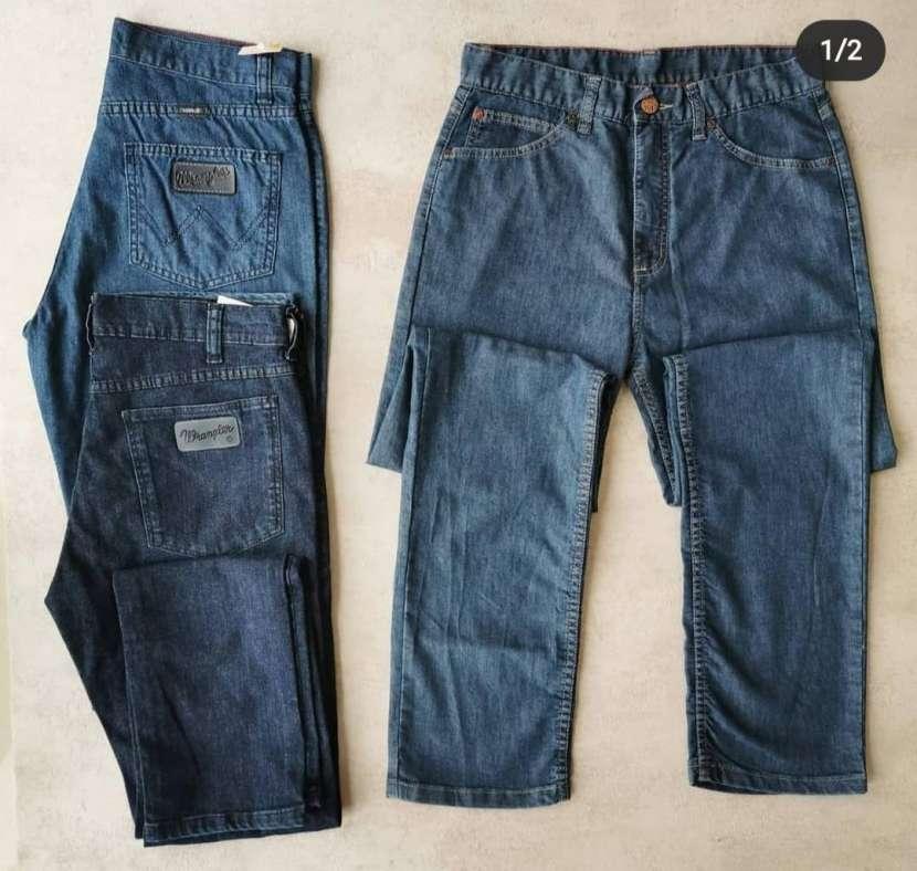 Jeans Wrangler clásicos - 0