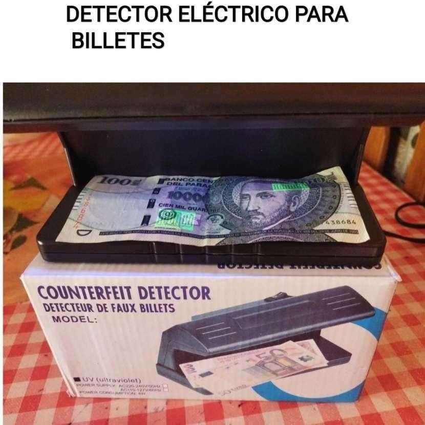 Detector eléctrico para billetes con luz ultravioleta - 0