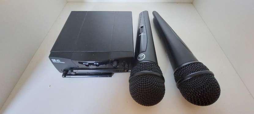 Micrófono inalámbrico profesional - 1